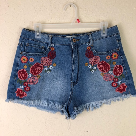 Forever 21 Pants - Denim Jean Shorts Floral Patch 29 Mid Rise Forever